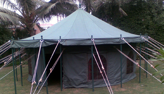 7862-sahara-center-pole-tent.jpg